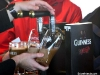 Guinness, sirviendo una pinta