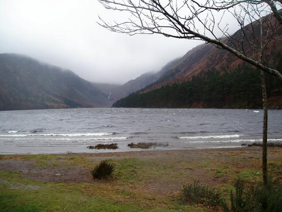 Uno de los lagos de Glendalough