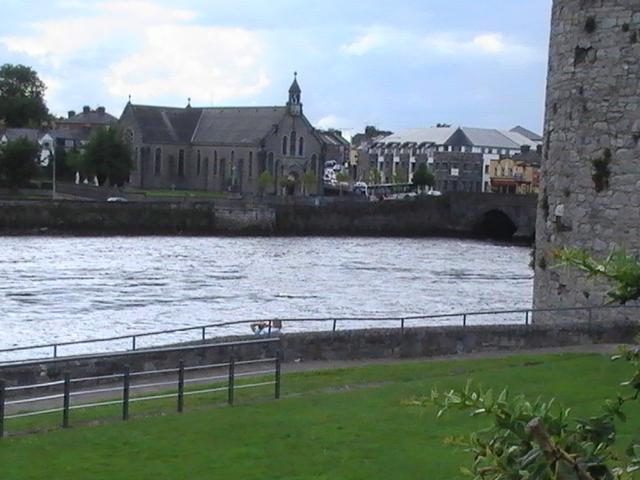 El Shannon a su paso por Limerick