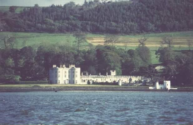 El Castillo de Glin desde el Shannon