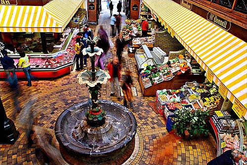 Vista del mercado inglés desde la terraza de la Farmgate