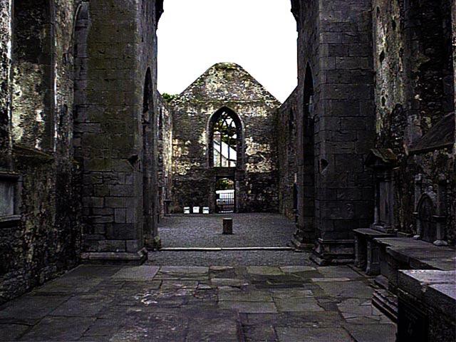 Interior de la iglesia de Ennis Friary