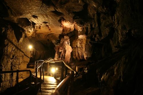 Cuevas de Marble Arch