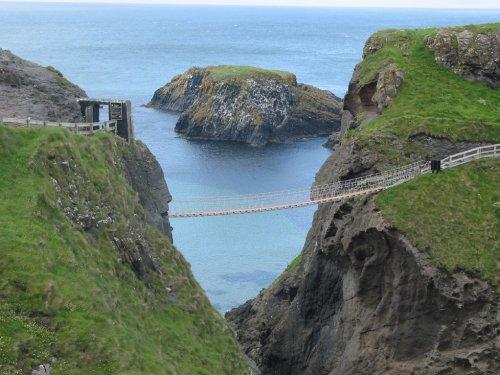 El puente colgante de Carrick a Rede en Antrim