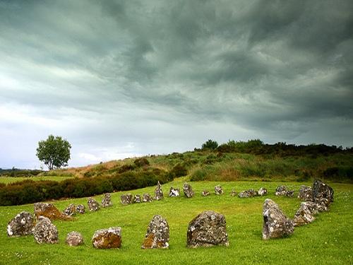 Un paseo por las piedras más famosas de Irlanda