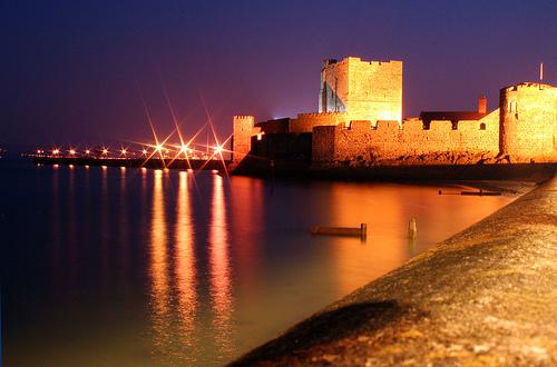 Puerto y castillo de Carrickfergus