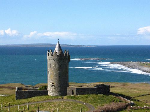 Castillo de Doonagore y Castillo de Bunratty